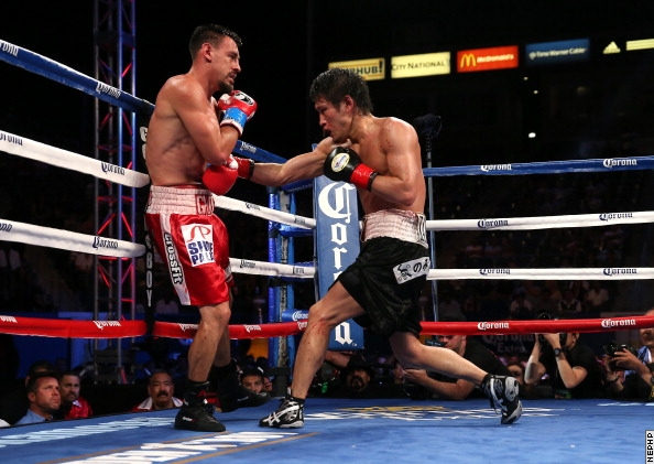 Robert Guerrero (left) and Yoshihiro Kamegai