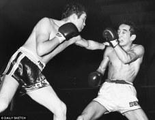 Howard Winstone stops tough Mitsunori Sek